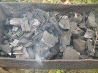 Разжигаем древесный уголь в мангале. Простой и надежный способ.